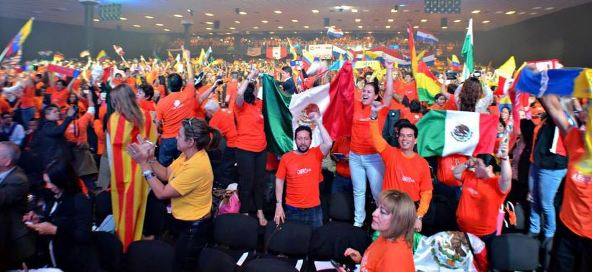 8,500 independent 4Life distributors Strong in Bogota