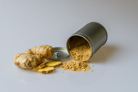 how to treat skin with turmeric